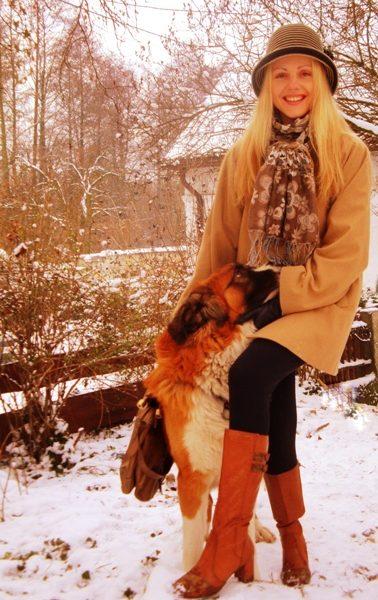 Zimowy spacer z przyjacielem