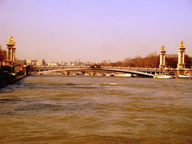Paryż z wody i powietrza