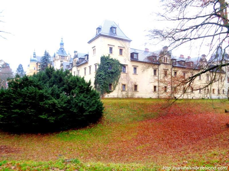 Zamek Kliczków widok na zamek zdjecia