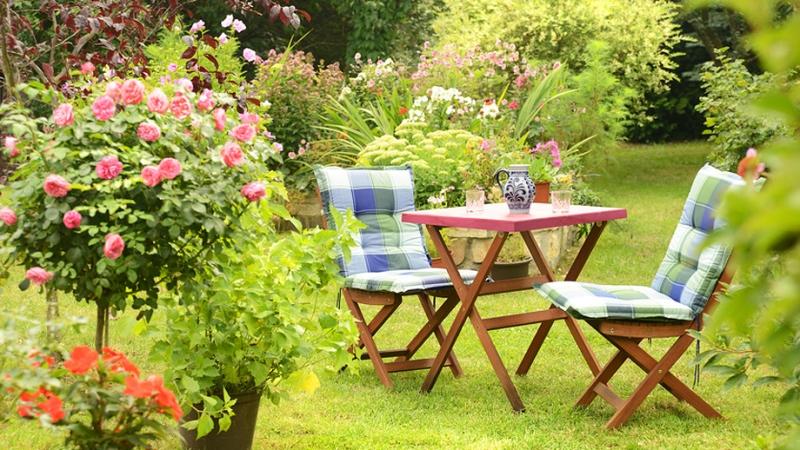 meble ogrodowe z drewna inspiracje