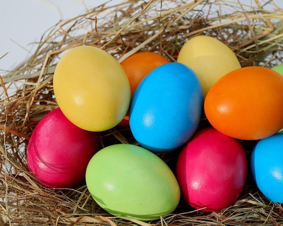 Wielkanoc w krajach europejskich obrzędy jarmarki świąteczne