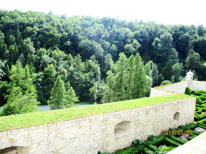 Zamek w Pieskowej Skale widok z gory