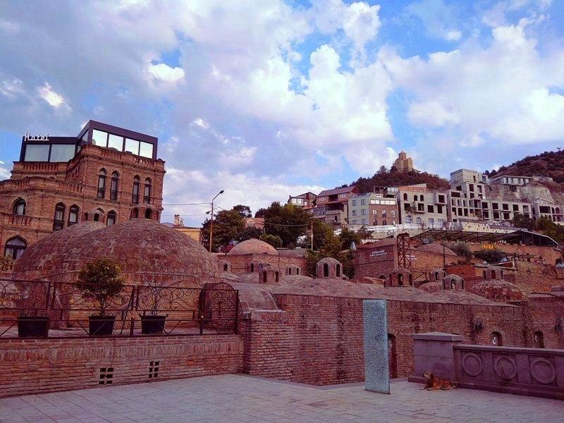 Tbilisi stolica gruzji atrakcje 2021