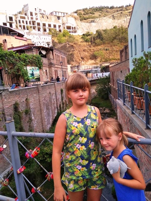Tbilisi wakacje z dziecmi gruzja 2021